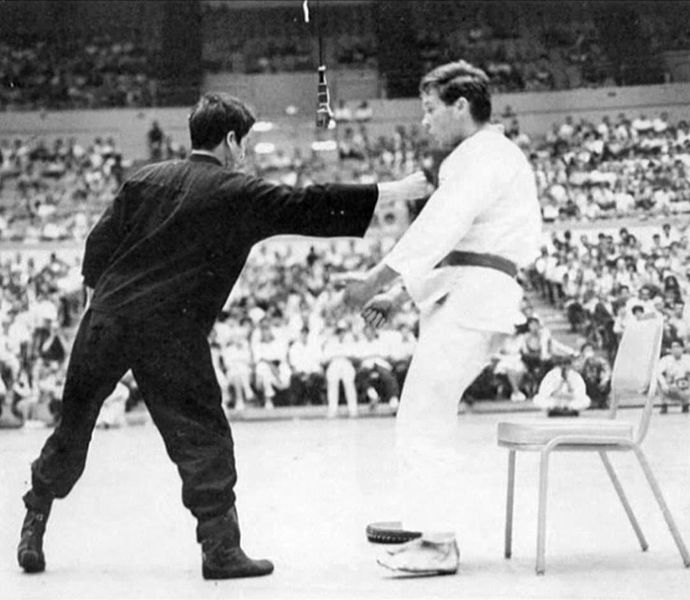 Bruce Lee One inch punch
