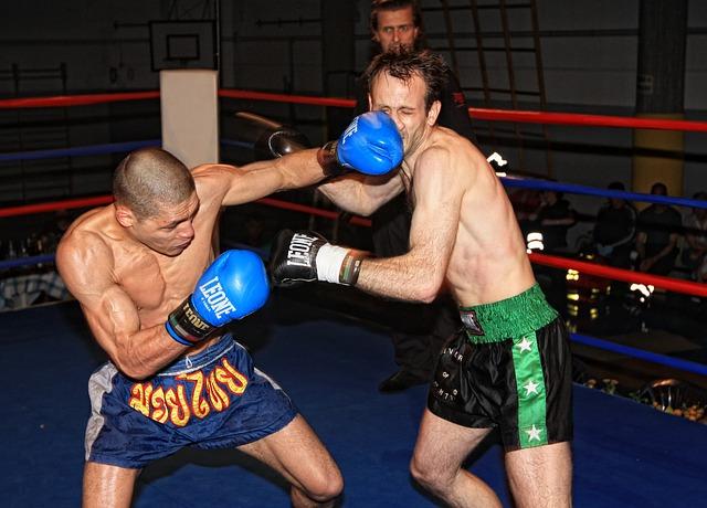 Kickboxing combat