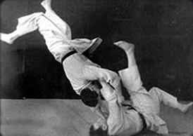 Moshe Feldenkrais pratique le judo